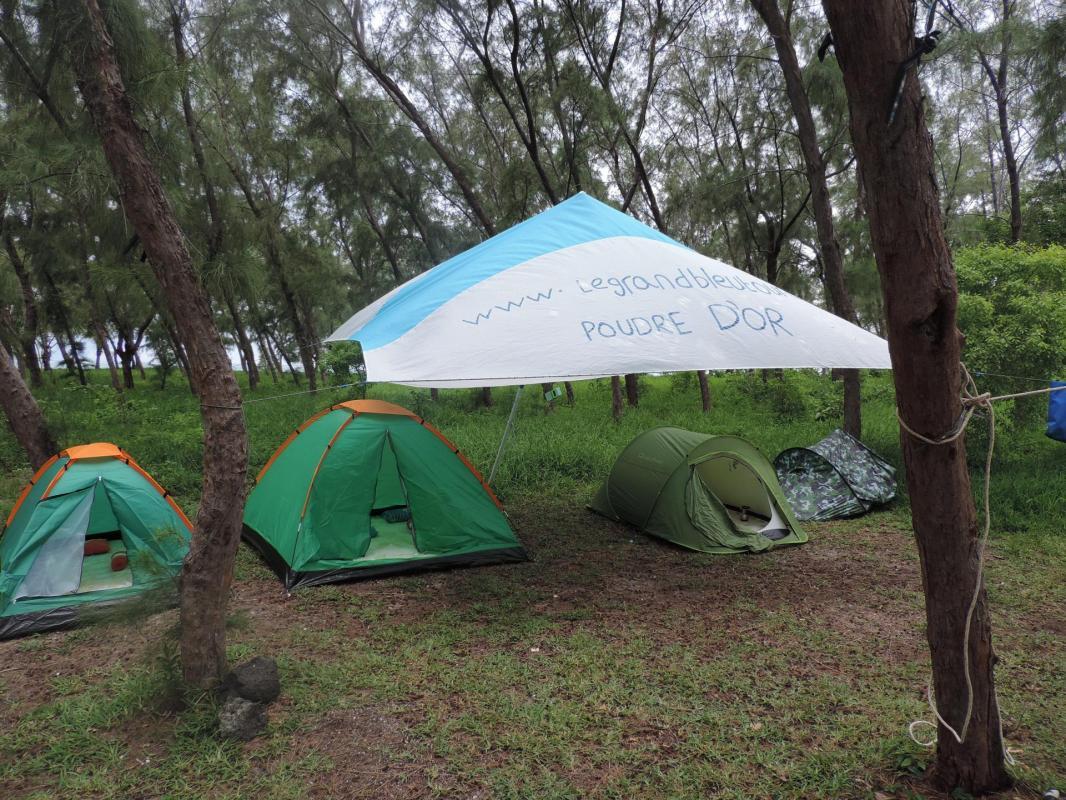 Camping excursion le grand bleu ile maurice patrick karia